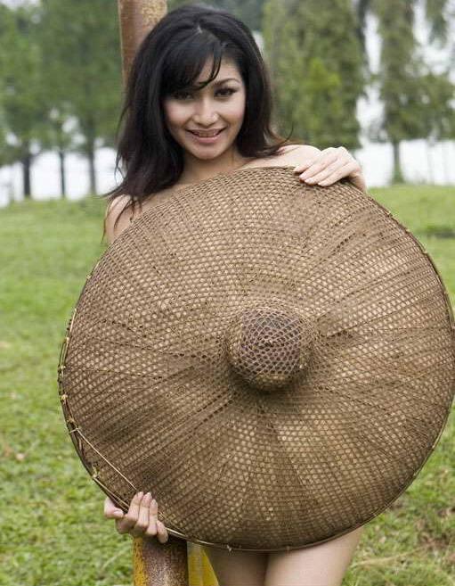Foto Tante Girang Bugil Di Luar Rumah Foto Bugil | blackhairstylecuts ...
